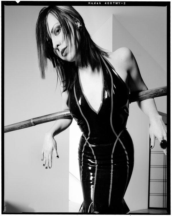 http://victoriasphoto.com/models/Chrystyne/big/Chrystyne_bw_2xx.jpg