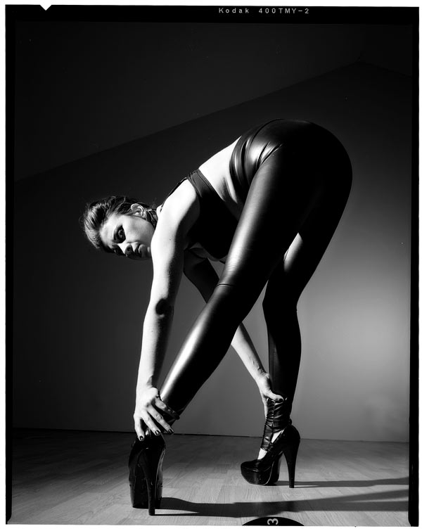http://victoriasphoto.com/models/Chrystyne/big/Chrystyne_bw_43.jpg